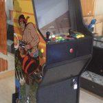 Máquina arcade tributo a Ikari Warriors