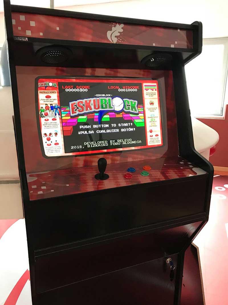 Máquina arcade adaptada